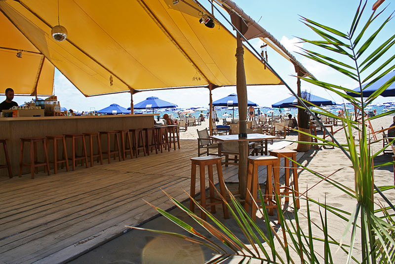 Cubo Beach Bar.