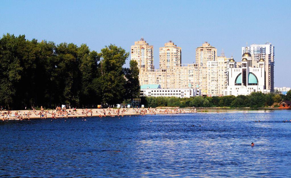 The Kiev city beach called Hidropark (courtesy of flickr.com/photos/stephanemartin)