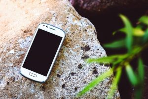 What to pack - Old Smartphone