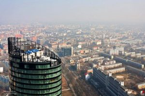 Quite the high-tech location these days: Helicopter view of Wroclaw's business skyscraper called SkyTower - image via fotopolska.eu