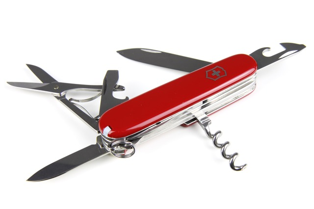 every-manly-man-should-carry-a-swiss-army-knife