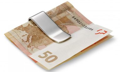 The Money Clip: Fashionable Alternative To Wallets