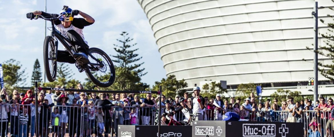 """Crashing is Progressing"" Pro-Cyclist Danny MacAskill on Broken Bones and YouTube-Fame"